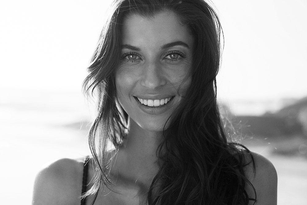 Luísa Pasinatto black and white
