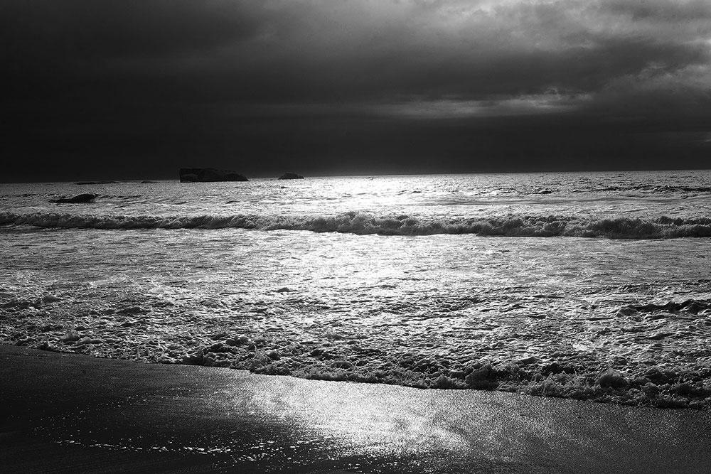 Moody Ocean Light